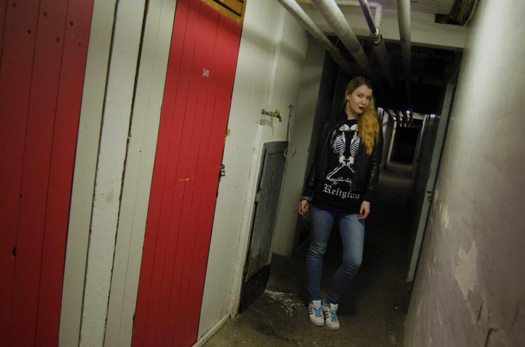 darialarsen_cellar2