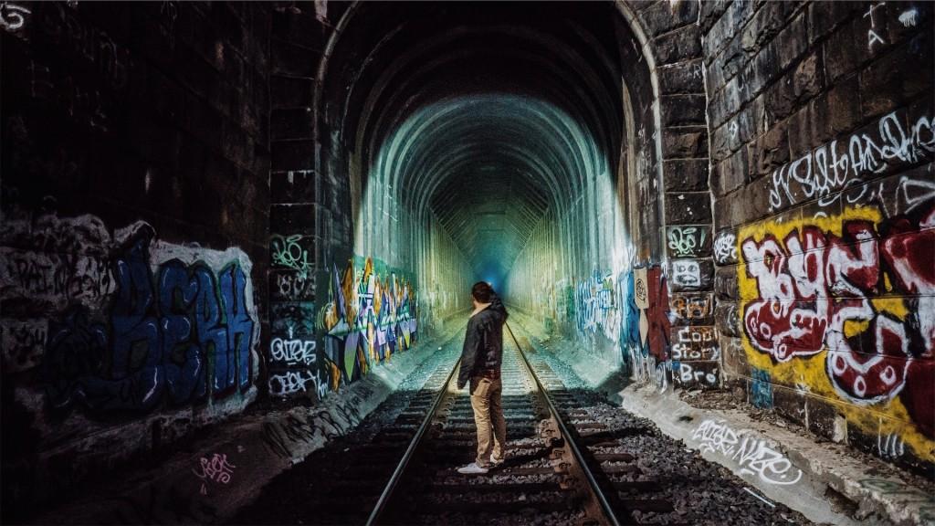 train-tracks-925976_1920
